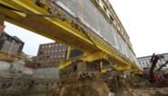 FOTO. Spektakel op bouwwerf aan de Kouter: zestig meter lange muur 'opgeheven'