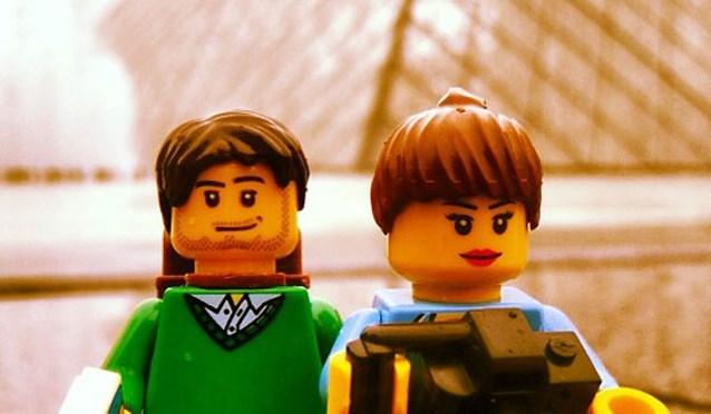 Koppel maakt reis rond de wereld als Lego-figuurtjes