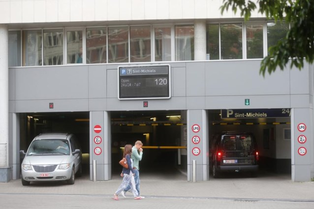 Het nieuwe parkeerplan van Gent: tweede bewonerskaart slaat op naar 250 euro
