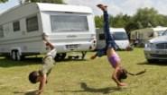 Jongsocialisten organiseren fuif voor verjaagde zigeuners