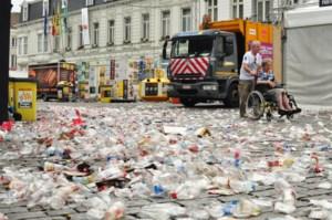 Zo ziet de Vlasmarkt er uit na een nacht Gentse Feesten