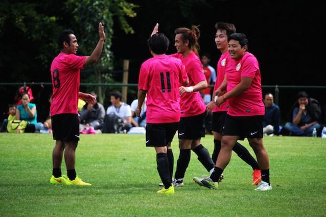 Voetbal in Berchem verenigt Europese Tibetanen