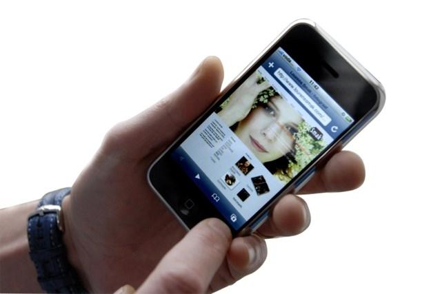 Twintig procent checkt telefoon van partner