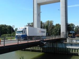 Brielenbrug Tisselt krijgt nieuwe wegverharding
