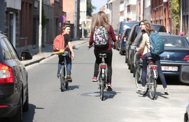 DE RACE NAAR SCHOOL (4): Scepsis voor bus, passie voor fiets