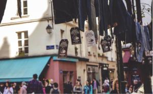 FOTO. Massale opkomst voor gratis jeans in Antwerpen
