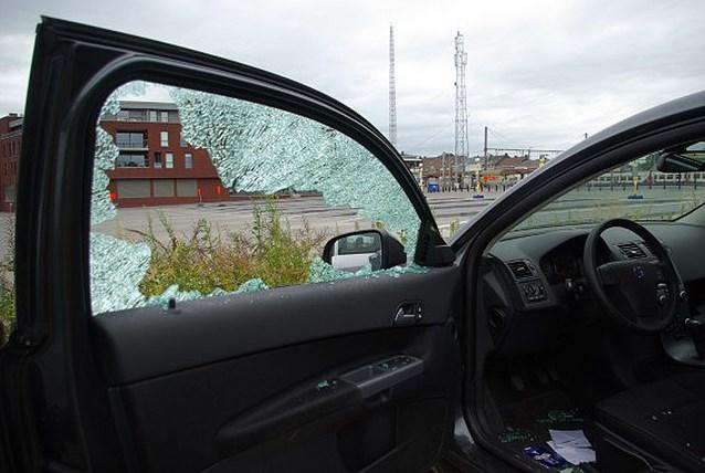 Inbraken in geparkeerde voertuigen