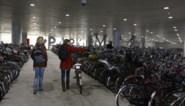 Geen plaats in fietsenstallingen Sint-Pietersstation: 'Haal stilstaande fietsen na één week weg'