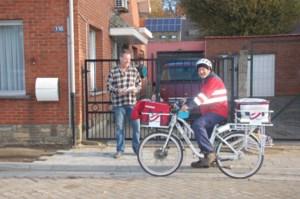 Heraanleg voetpaden René De Pauwstraat sleept aan