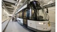 Supertram staat te  blinken in Gentbrugge