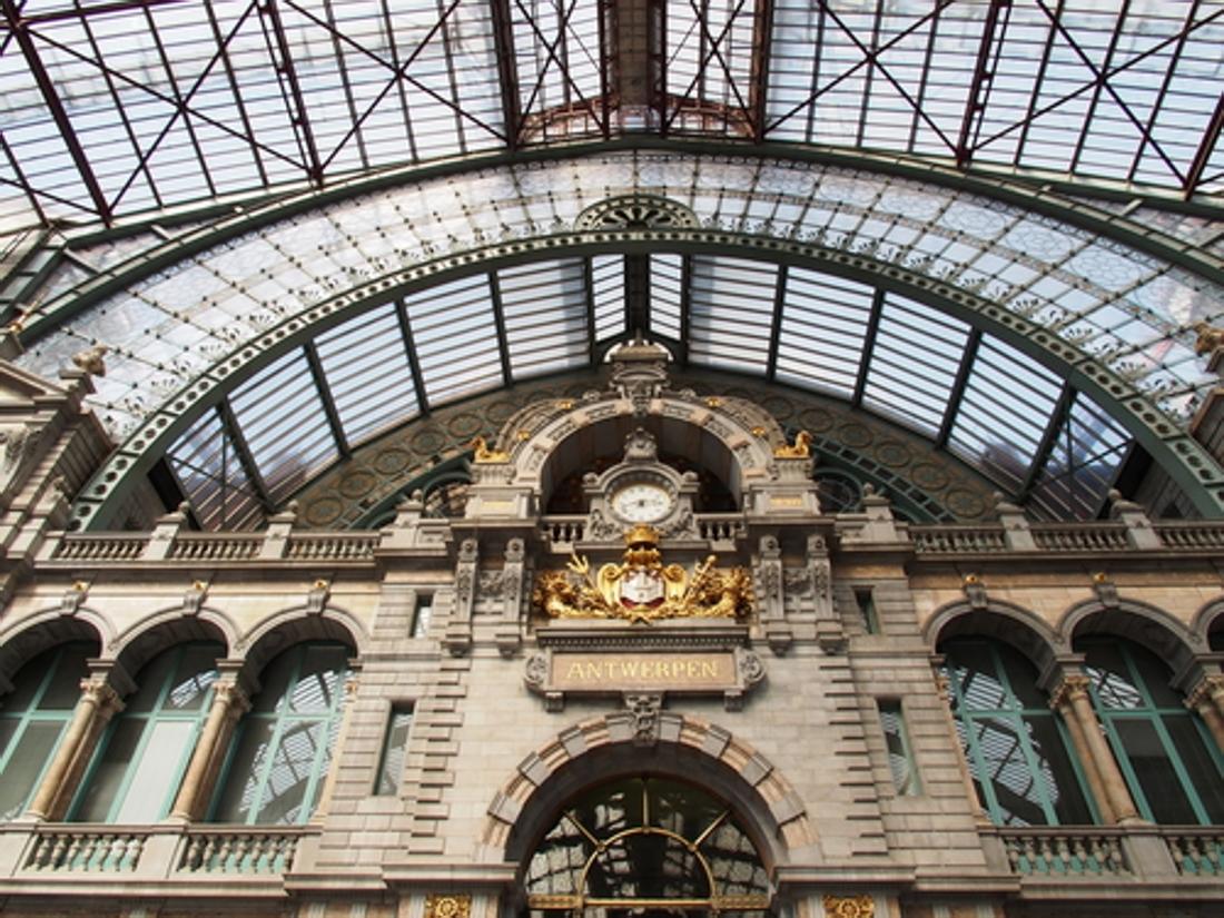 Antwerpen Centraal Verkozen Tot Meest Romantische Station Antwerpen Het Nieuwsblad Mobile