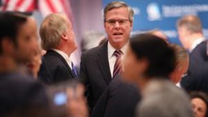 Jeb Bush distantieert zich van beleid van broer en vader