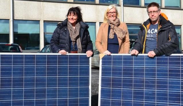 Zonnepanelen op zes gemeentelijke gebouwen