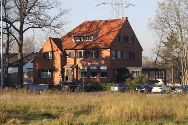 Café Rozenhof verzegeld wegens prostitutie en witwaspraktijken
