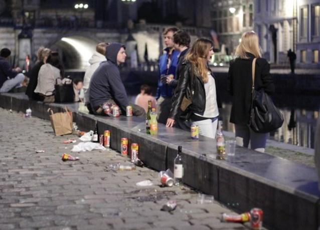 Gent roept Vlaanderen (nog eens) op: 'Statiegeld voor PET-flessen en blikjes, nu liefst'