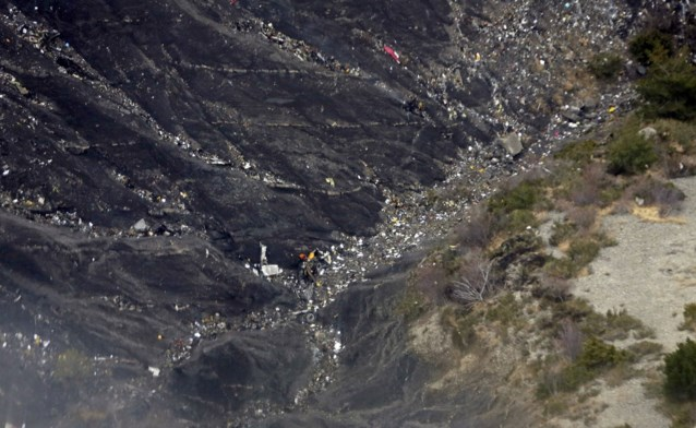 Vliegtuigcrash: mysterie rond noodoproep en vroege daling blijft