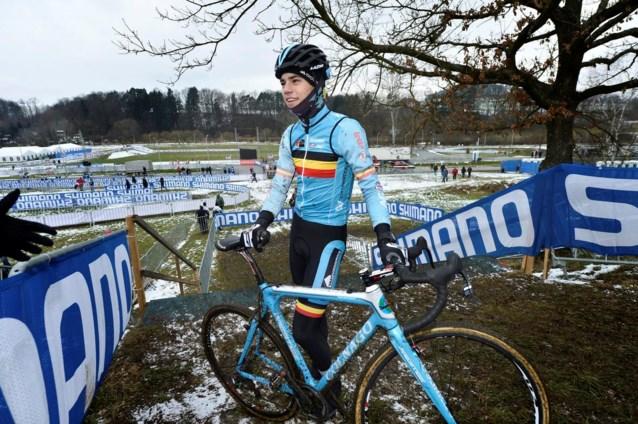 Wout Van Aert reageert met sneer op nieuwe fietsen van Sky