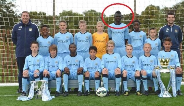 Deze U13-speler van City is wel héél groot