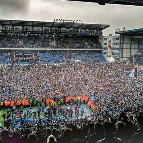 Traditieclubs Bielefeld en Duisburg promoveren naar tweede klasse