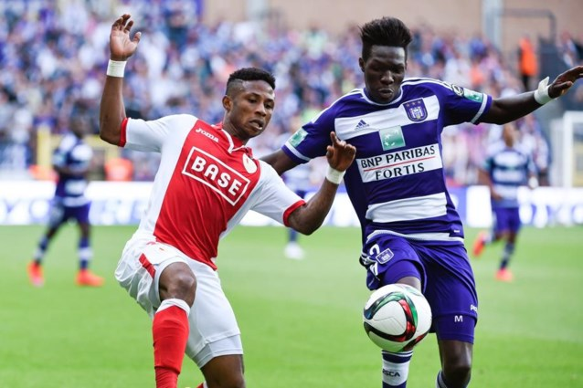 CLUBNIEUWS. Anderlecht gaat voluit voor Ezekiel, snoept Standard Santini af van Genk?