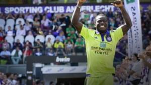 CLUBNIEUWS. Eerste tickets voor Man United-Club, maakt Acheampong weg vrij voor Boussoufa?