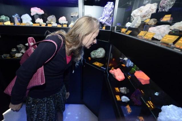 Fluorescerende stenen stelen de show in Mineralenmuseum