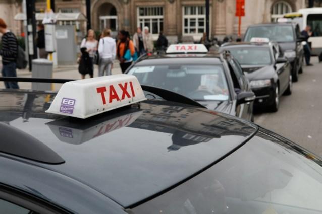 'Typisch Gentse lichtbalk' voor alle taxi's in de stad