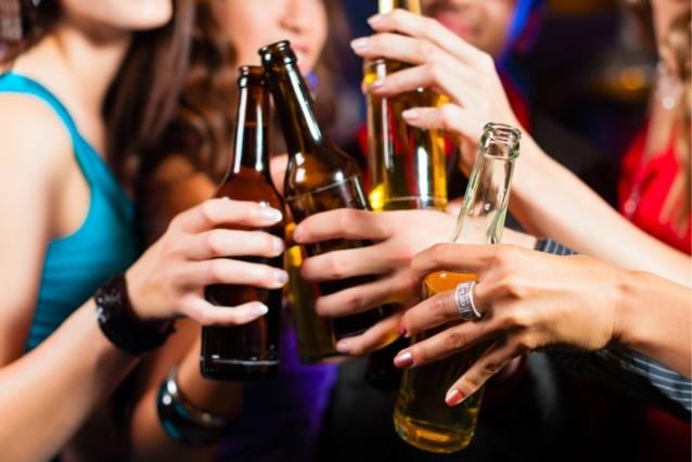 1 op de 2 studenten loopt risico op alcoholprobleem