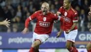 Standard wint verhitte derby nadat die werd stilgelegd door fans