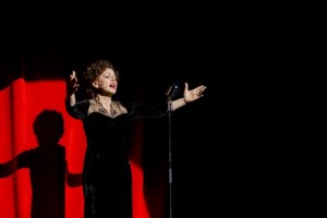 Extra voorstellingen Piaf en Jacques Vermeire in Capitole
