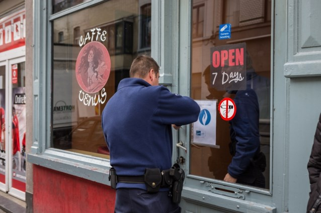 Eerste café verzegeld wegens overtreden rookverbod