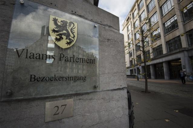 Vlaams Parlement sluit hoofdingang tijdelijk af