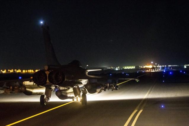 Fransen voeren voor derde dag op rij luchtaanvallen uit op bolwerk van ISIS