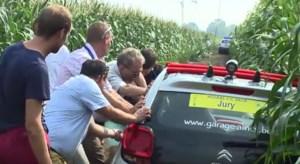 Koers waarin auto vastzat in maïsveld uitgeroepen tot 'Parcours van het jaar': dat leidt tot controverse