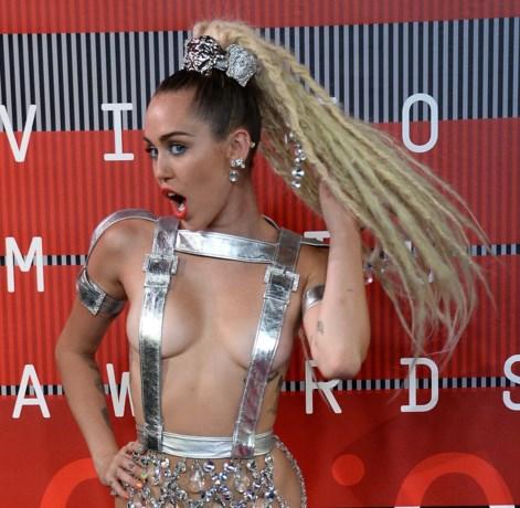 Woody Allen in zee met Miley Cyrus