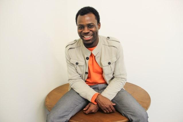Adams Mensah maakt aangrijpende documentaire over moeder-zoonrelatie