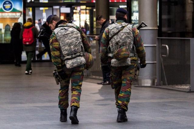 Drie maanden para's op straat: overdreven machtsvertoon of noodzakelijke maatregel?