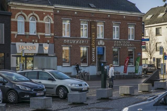 """Kleinere winkelsteden moeten betalend parkeren afschaffen"""
