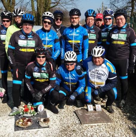 Eldoradofietsers trekken seizoen op gang met herdenking aan overleden fietsmakker