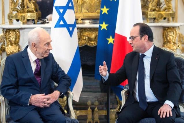 """Hollande: """"Terreurnetwerk achter Parijs en Brussel bijna vernietigd"""""""