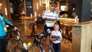 Terwijl iedereen aan de start stond... zat Sagan op café