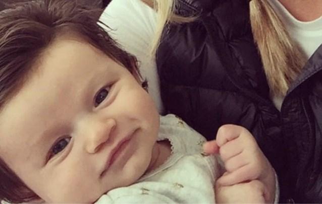 Baby met weelderige haardos is sensatie op het internet