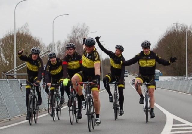 Ronde-fietstocht van KSVO Jeugd levert 9.000 euro op