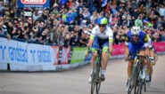 Herbekijk hier de zinderende spurt op de piste van Roubaix