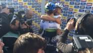 Uitgeputte Boonen feliciteert Hayman na de finish: