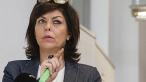 Gerecht stelt Joëlle Milquet in verdenking van belangenvermenging