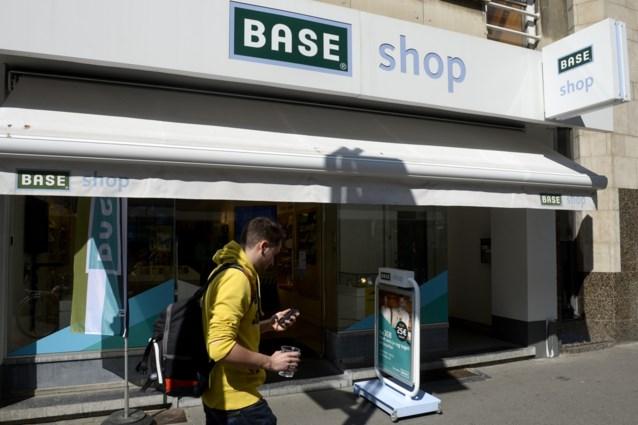 Telenet pompt meer geld in Base