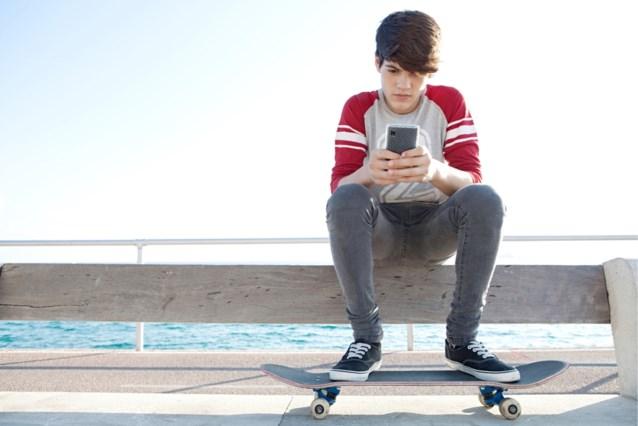"""Onderzoek nuanceert: """"Jongeren zijn niet verslaafd aan sexting of sociale media"""""""