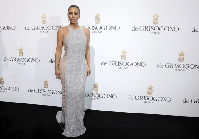 Kim Kardashian laat binnenkijken in haar privéjet