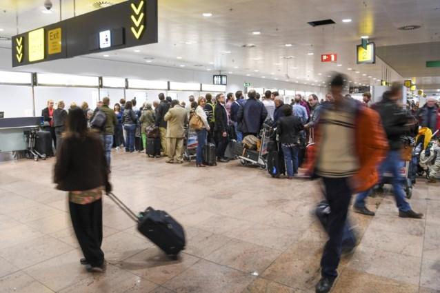 Bijna helft minder passagiers op Brussels Airport in april